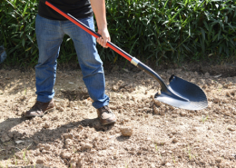 Round Point shovel digging overmold